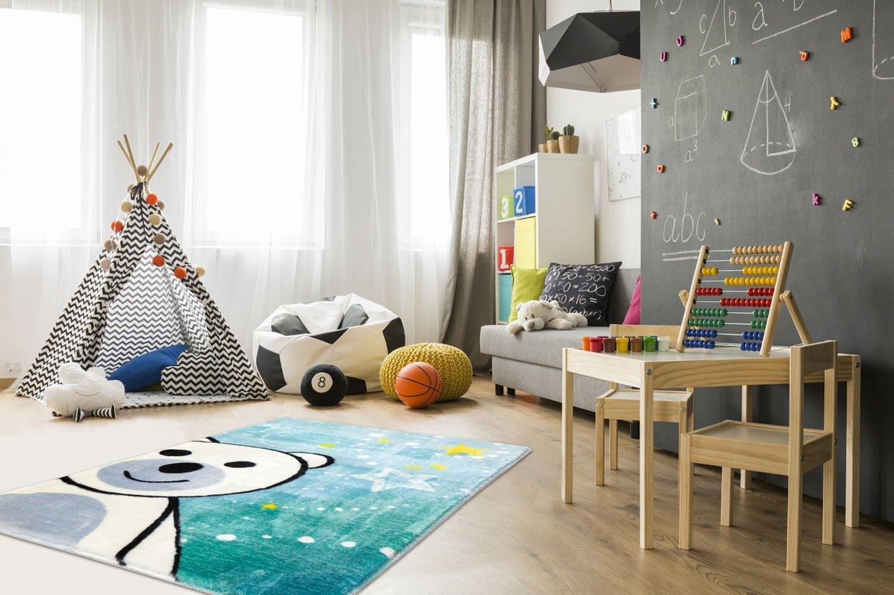 Kolorowy dywan do pokoju dziecka